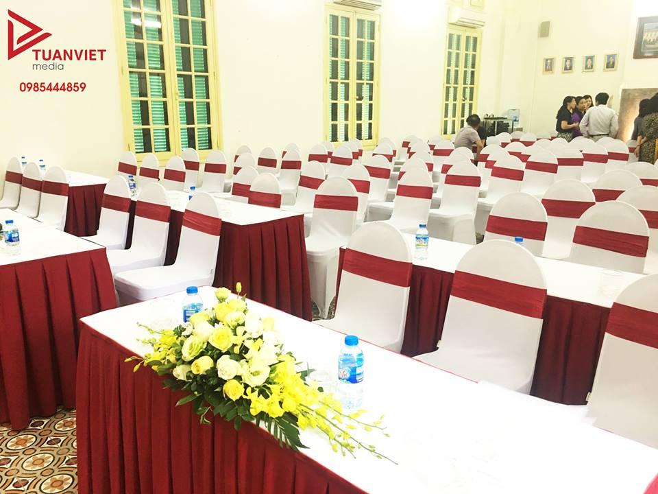 thuê bàn ghế sự kiện