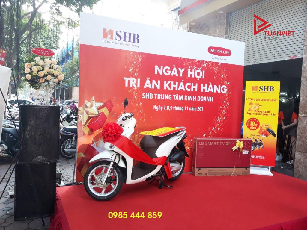 Cho thue san khau