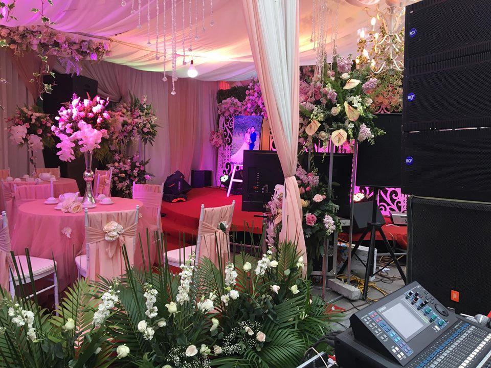 Cho thuê sân khấu đám cưới