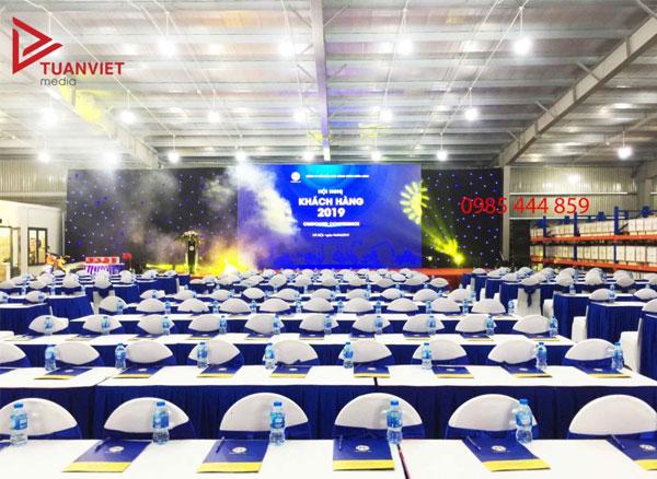 Sân khấu tại hội nghị khách hàng