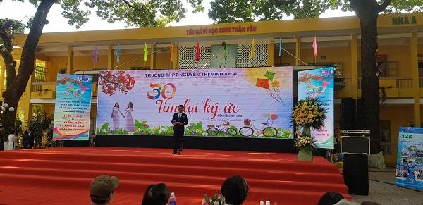 Hình 2. Tuấn Việt cho thuê thiết bị sự kiện màn hình đèn LED ngoài trời tại trường THPT Nguyễn Thị Minh Khai