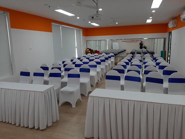 Hình 2. Tuấn Việt cho thuê thiết bị sự kiện bàn, ghế sang trọng