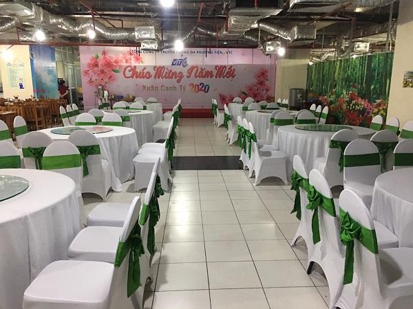 Hình 1. Tuấn Việt tổ chức tiệc tất niên ấm cúng, thân mật cho doanh nghiệp